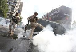 Ve ordu sokağa indi: Ülke en zorlu döneminden geçiyor