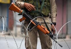 Pakistan Keşmirde Hint ateşine karşılık verdi: 16 ölü
