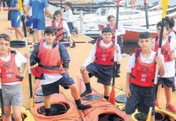 İzmirli çocuklar denizle buluştu