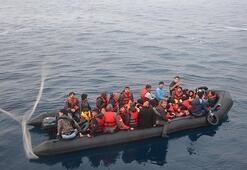 2 lastik botta 93 göçmen yakalandı