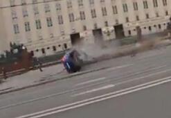 Savunma Bakanlığı önündeki bariyerlere daldı