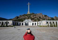 Franconun mezar yeri hafta içi değiştiriliyor