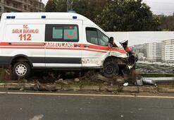 Ambulans ile kamyonet çarpıştı Yaralılar var