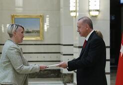 Büyükelçilerden Cumhurbaşkanı Erdoğana güven mektubu