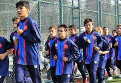 Barcelonadan genç futbolculara özel davet