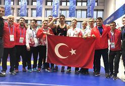 Taha Akgül 125 kiloda altın madalya kazandı