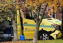 Ambulans kaçırıp kalabalığın üzerine sürdüler