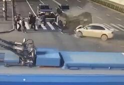 Takla atan otomobil yayaların üzerine devrildi 7 yaralı