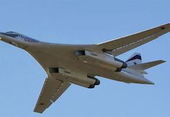 Rusya, Güney Afrikaya iki nükleer bombardıman uçağı gönderdi