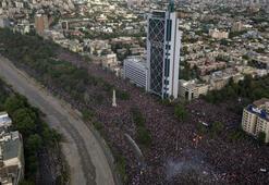 Şilide 1 milyondan fazla kişi gelir eşitsizliğine karşı sokaklarda