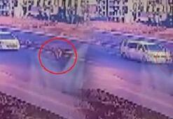 Yola fırlayan minik Aslıya minibüs çarptı