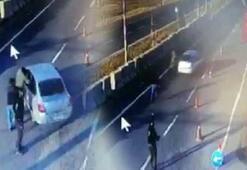 Otomobilde kaçak sigaralarla yakalandılar Kimlikleri şoke etti