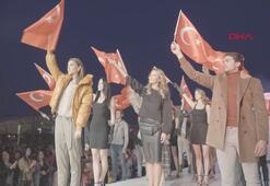 Defilede Cumhuriyet coşkusu