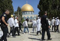 Fanatik Yahudilerden Mescid-i Aksaya baskın
