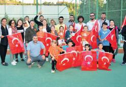 Uşak'ta Cumhuriyet tenisle kutlandı