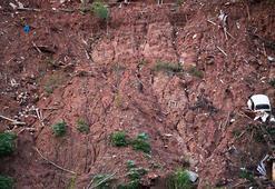 Toprak kaymasında evleri enkaz altında kaldı: 4 ölü