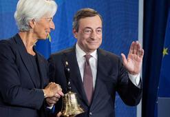 Lagarde, ECBnin ilk kadın başkanı olarak görevine başladı