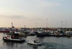 Limanda demirli tekne uyuşturucu deposu çıktı