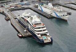 Lüks kruvaziyer Zeyport Limanına demirledi