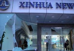 Hong Kongta protestocular Çin haber ajansı Şinhua ofisine saldırdı