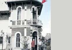 Atatürk'ün halka seslendiği bina...