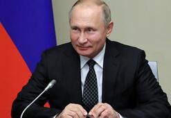 Vladimir Putinin KGB öz geçmişi yayımlandı