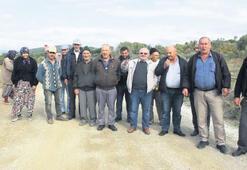 Kamyonların tozuna çiftçilerden tepki