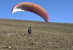 Yıldızlı Dağ yamaç paraşütleriyle şenlendi