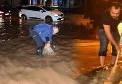 Sağanak yağış Marmariste hayatı felç etti