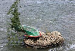 Tekne alabora oldu: 11 kişi kayıp