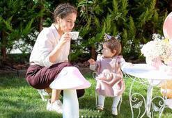 Aslı Tandoğandan kızı Aryaya çay partisi