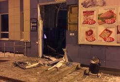 ATM hırsızları AVMyi havaya uçurdu