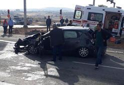 Elazığda otomobil ile ambulans çarpıştı: 7 yaralı