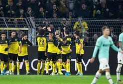 Bol gollü geceye Dortmund damgası 2-0dan döndüler...