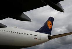 Greve gittiler Yüzlerce uçuş iptal edildi