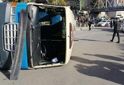 İçinde yolcular varken kaza yaptı