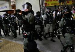 Hong Kongda milletvekillerine gözaltı