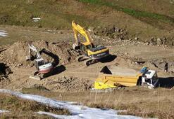 Define kazısı için Dipsiz Gölün suyu tahliye edildi