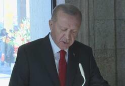 Cumhurbaşkanı Erdoğan, Anıtkabir Özel Defterini imzaladı