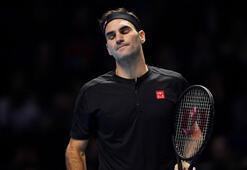 Federer ilk günde elendi