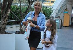 Pınar Altuğ ve kızının alışveriş keyfi