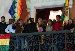 Bolivyada ordu Anezin geçici devlet başkanlığını tanıdı