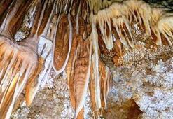 Hayranlık uyandıran mağara turizme kazandırılacak