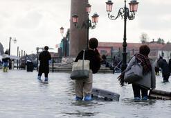 Venedikte 53 yılın en büyük su baskını