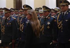 Evo Morales'i darbe tehdidiyle indiren Genelkurmay Başkanı görevden alındı