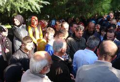 Trabzonda yaylada evleri yıkılan yapı sahipleri valilik önünde