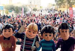Suriye'ye oyuncak TIR'ı