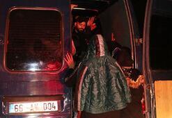 İzmirde hareketli dakikalar 30 kişiyi saklamış