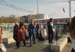 Taksim Metro İstasyonu merdivenlerinde yangın paniği