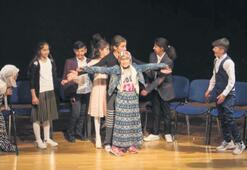 Sahne, Şırnaklı tiyatrocuların